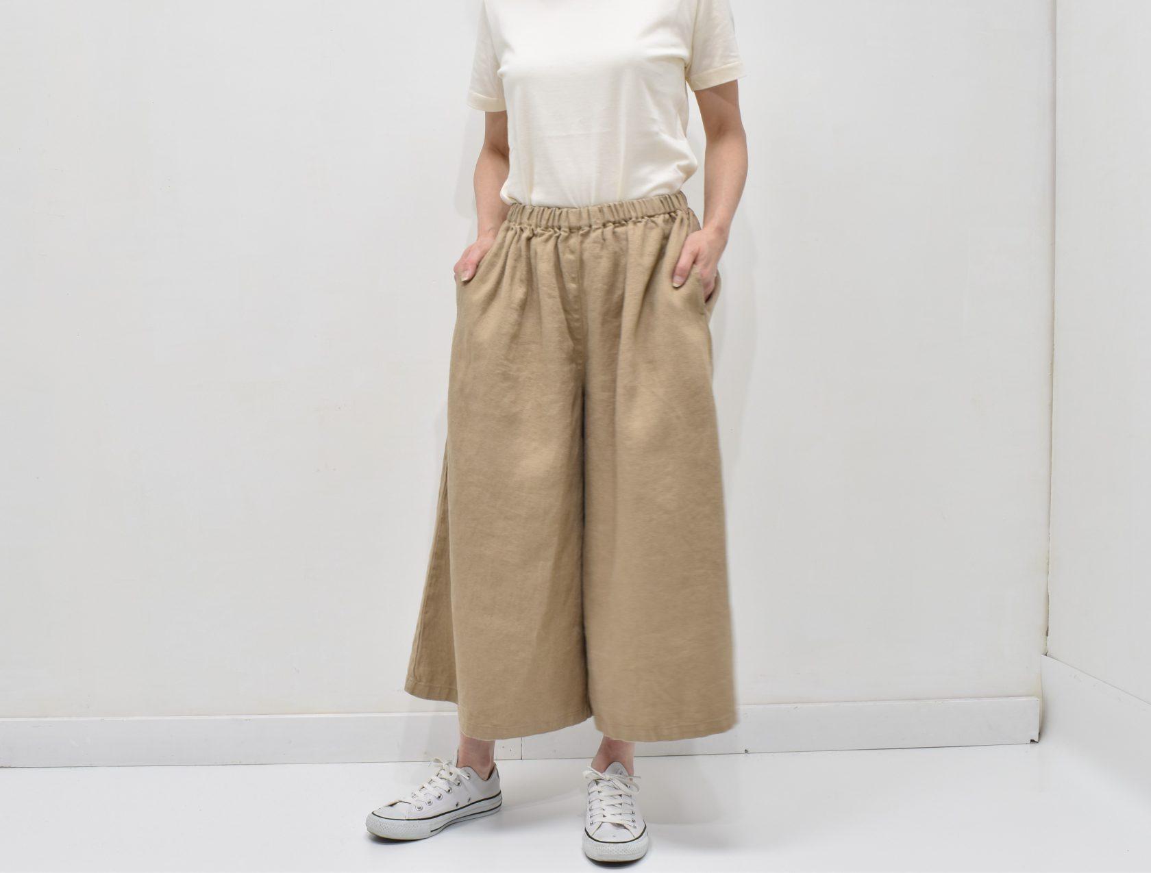 ファブリックスのざっくり太糸織リネンワイドフレアーパンツ